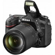 Фотокамера зеркальная Nikon D7200 + 18-140VR